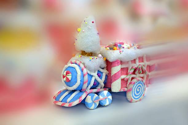 trenino fantasia - schnelles weihnachtsessen stock-fotos und bilder