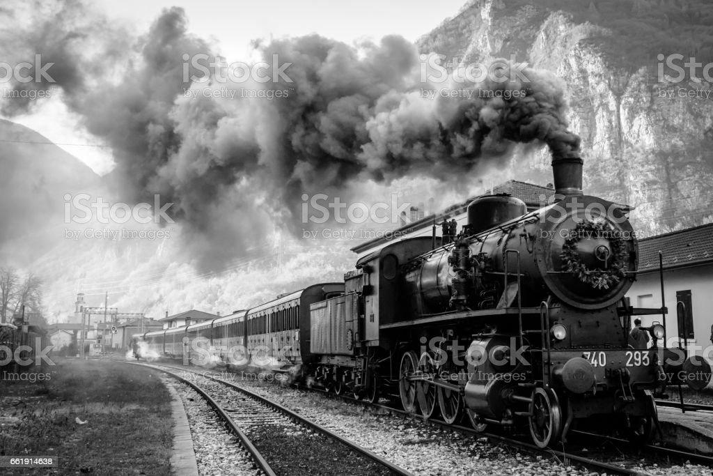treno a vapore stock photo