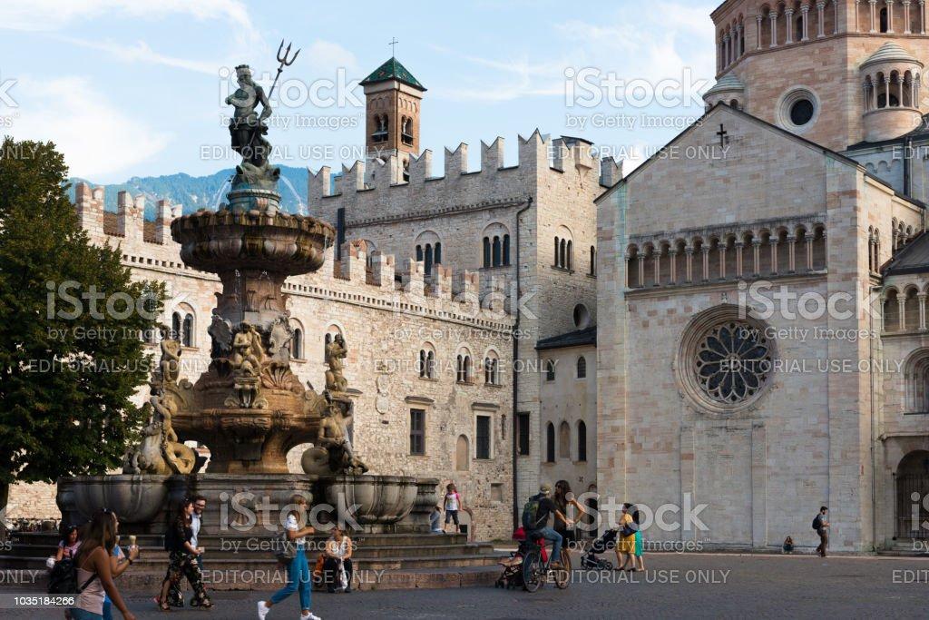 Trento - Piazza Duomo and Neptune Fountain - Foto stock royalty-free di Alto Adige