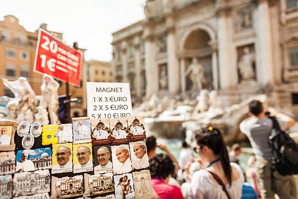 trevi fountain pope souvenirs in rome - pope francis stok fotoğraflar ve resimler