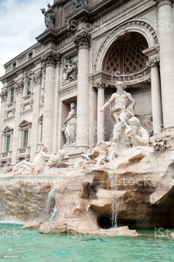 Fontanna di Trevi : Rzym, Włochy - Zbiór zdjęć royalty-free (Architektura)