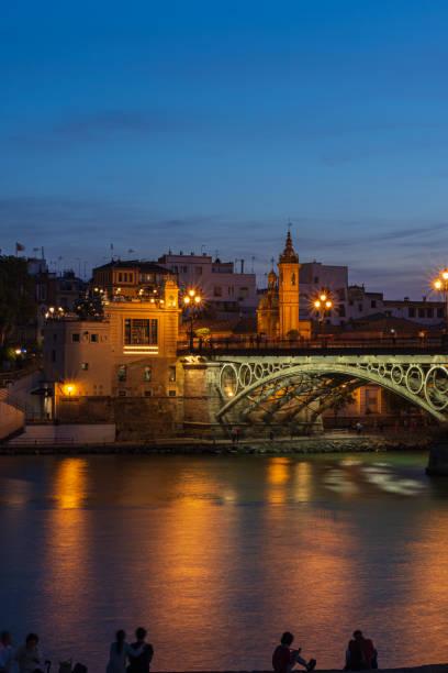 Puente Triana - foto de stock