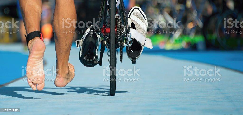 Triathlon Fahrrad die Übergangszone - Lizenzfrei Aktiver Lebensstil Stock-Foto