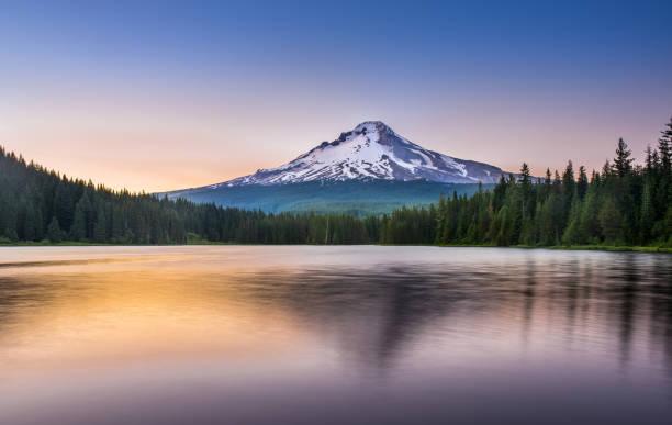 Trillium Lake Sunset Mt Hood, Mountain, Lake, Sunrise - Dawn, Trillium Lake national forest stock pictures, royalty-free photos & images