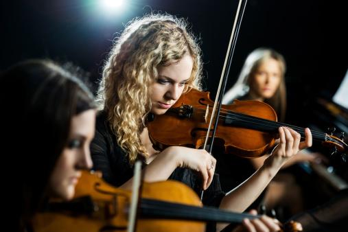 Trio female orchestra.