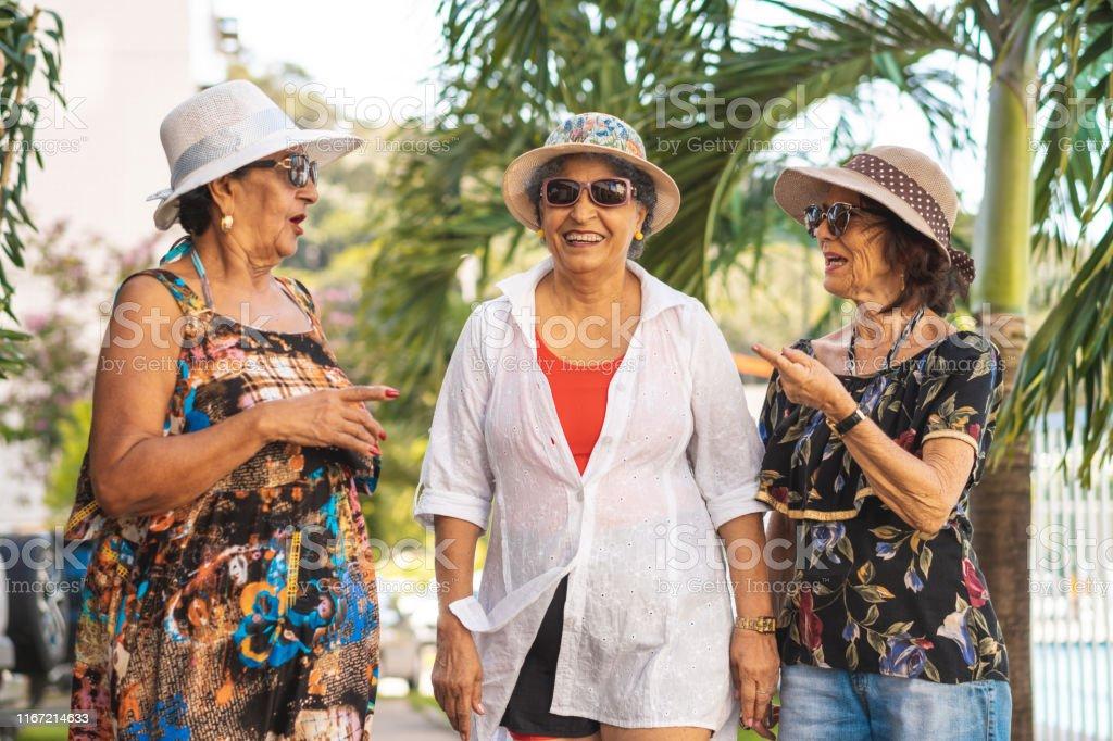 Frauen über 70 reife Seniorensex