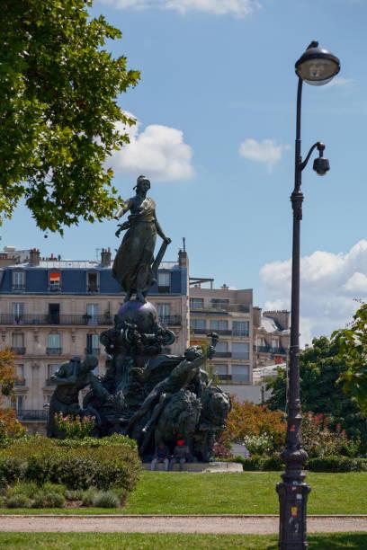 triomphe de la république à paris - république photos et images de collection