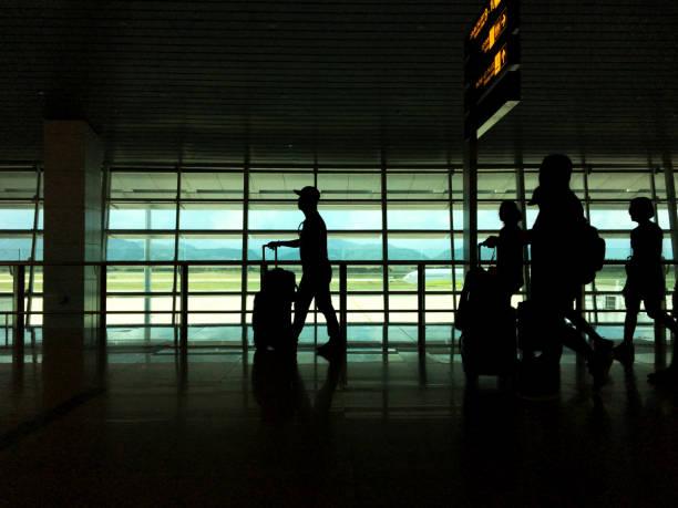 trip Summer flight on the gate in airport Background. – zdjęcie