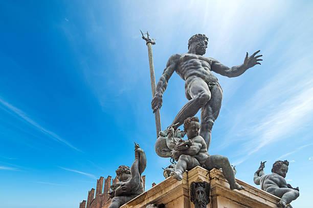 triton statua w bolonia - bolonia zdjęcia i obrazy z banku zdjęć