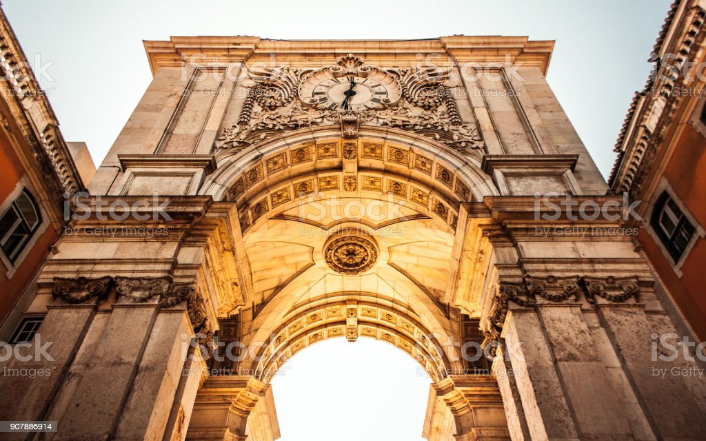 Arc de triomphe de la rue Augusta stock photo