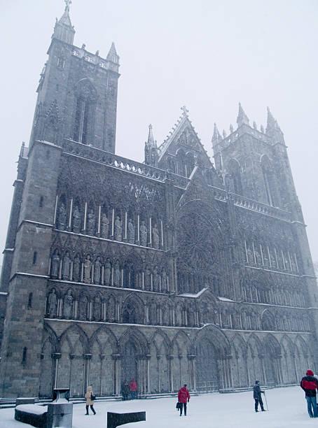 Trondheim Kathedrale in einem Schneesturm – Foto