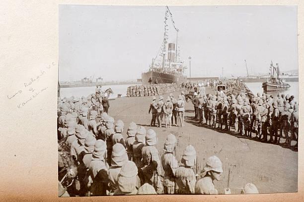 troop schiff - imperialismus stock-fotos und bilder