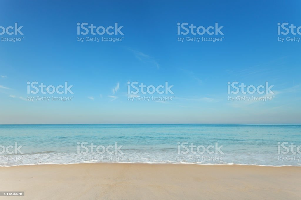 Tropical andaman seascape scenic off mai khao beach and wave crashing on sandy shore in phuket thailand,can be used for air transport to travel and open season to travel background. - foto stock