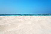 トロピカルビーチの砂丘の背景