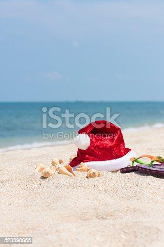 500536141istockphoto Tropical Christmas on a sandy beach 523898655