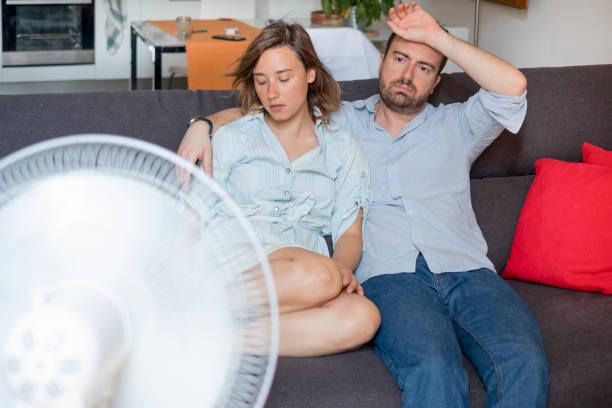 tropiskt klimat och luftkonditioneringen behövs - feber bildbanksfoton och bilder