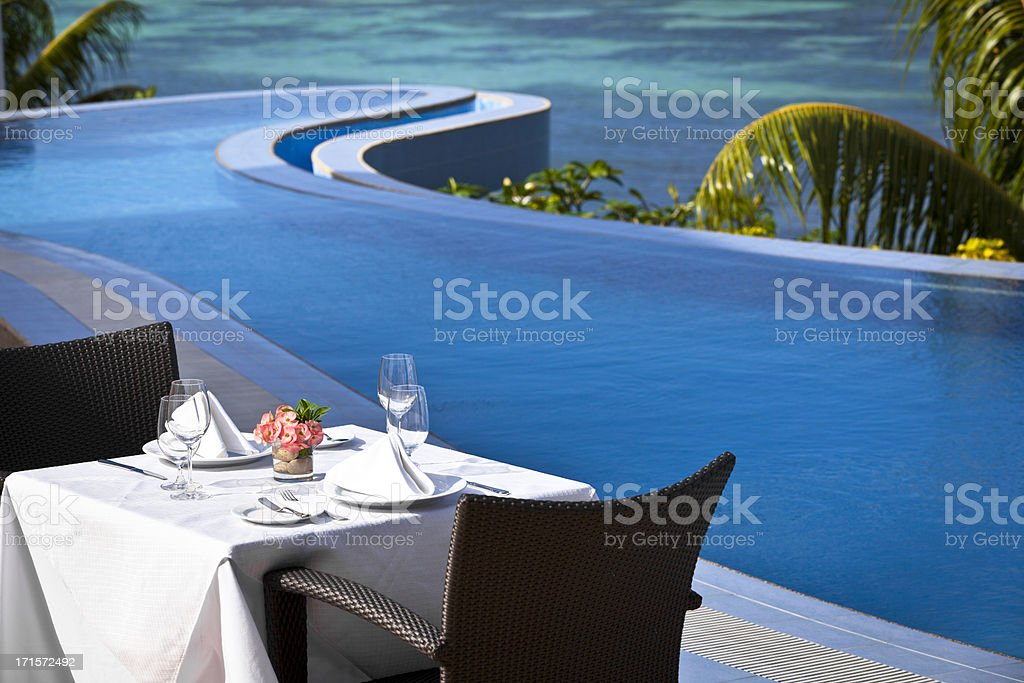 tropical fine dining table setting - Royalty-free Coastline Stock Photo