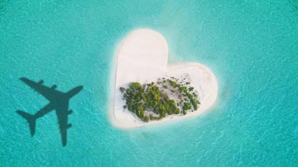 Tropische Insel in Herzform – Foto