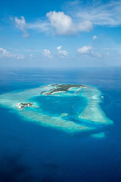 Isole tropicali, fino agli incantevoli atolli delle Maldive da Vista aerea in - foto stock
