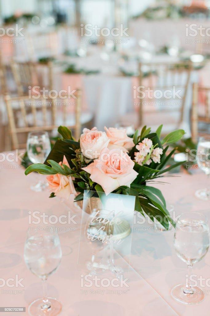 Tropische Moderne Hochzeit Dekor Stockfoto Und Mehr Bilder Von Blatt Pflanzenbestandteile Istock