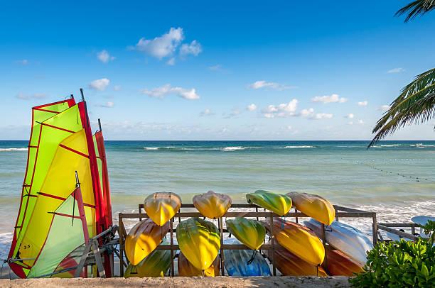 tropical water sports - nassau new providence stockfoto's en -beelden