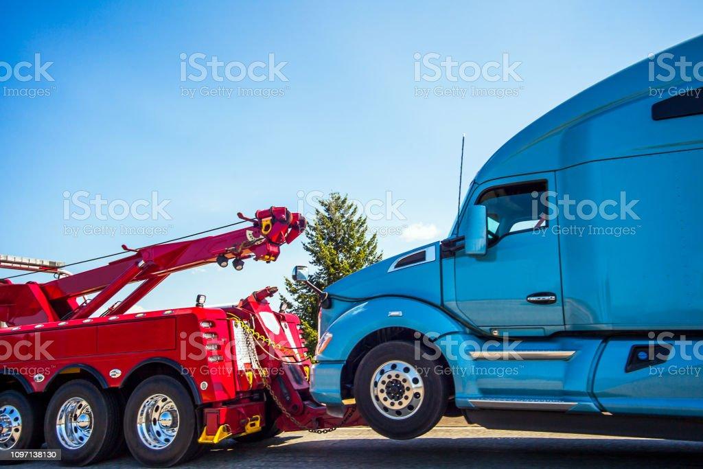 Desglose de camión y remolque en Seattle Washington USA - foto de stock