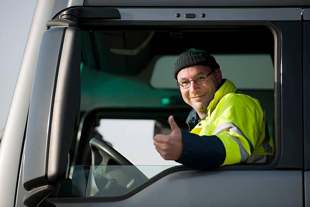 conductor de camión - conductor de autobús fotografías e imágenes de stock