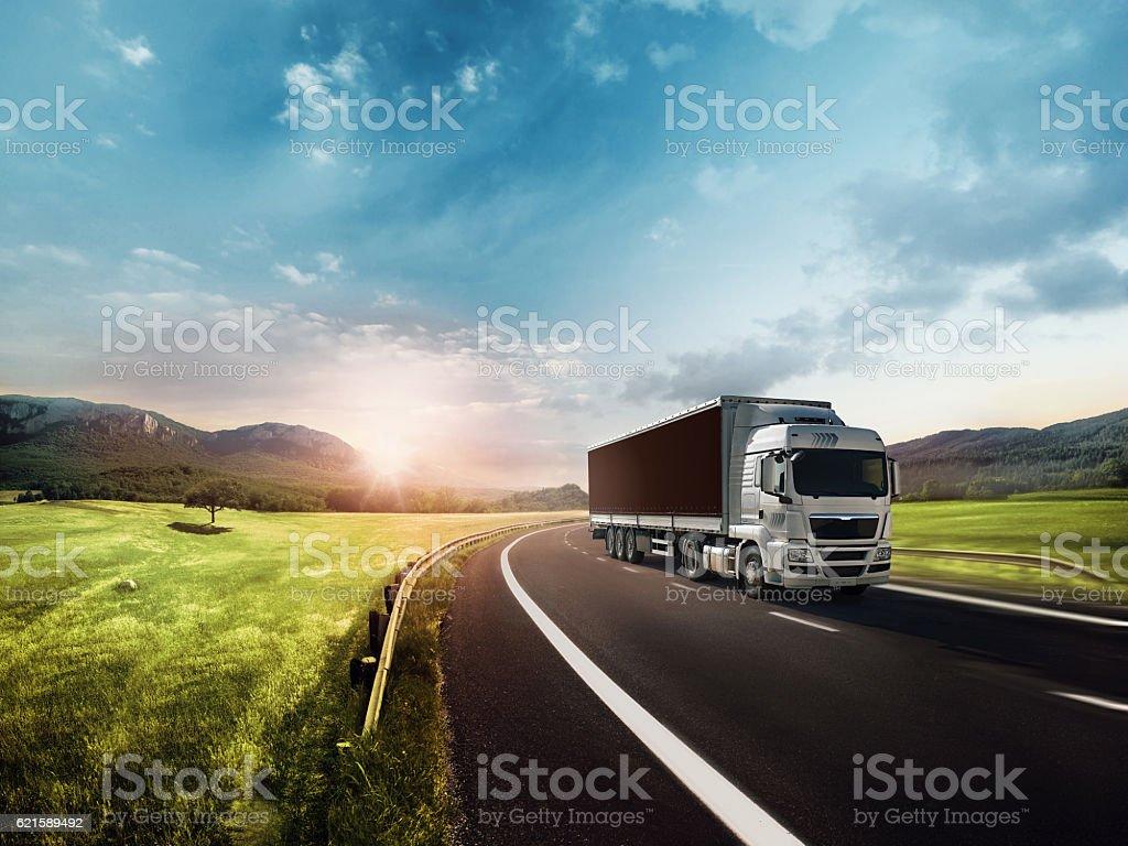 Lkw auf der Straße  Lizenzfreies stock-foto