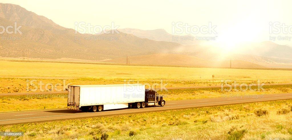 Lkw auf der Autobahn USA – Foto