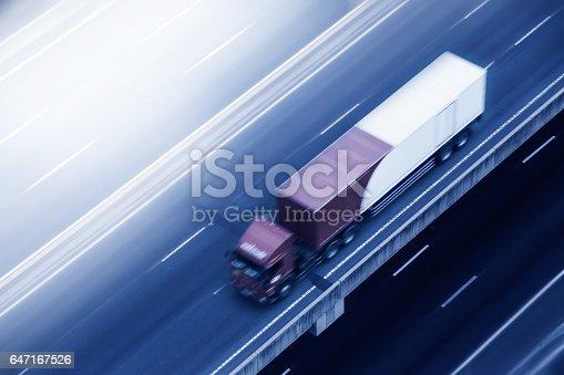 istock Truck. 647167526