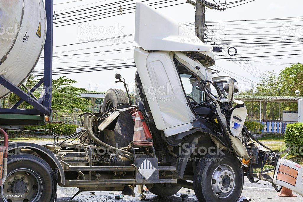 Camión con tanque accidente química - foto de stock