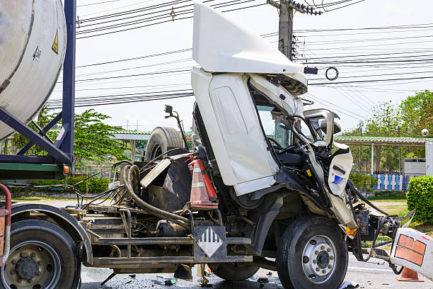 LKW mit chemische tank Unfall – Foto