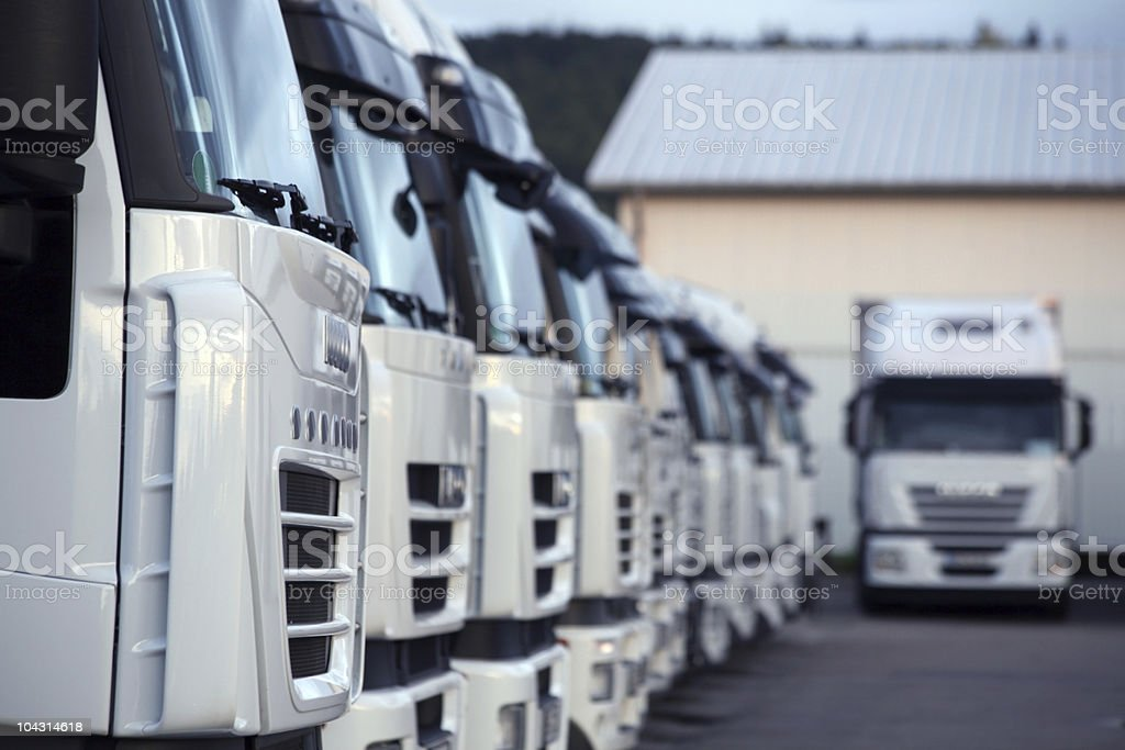 LKWs - Lizenzfrei Autotransporter Stock-Foto