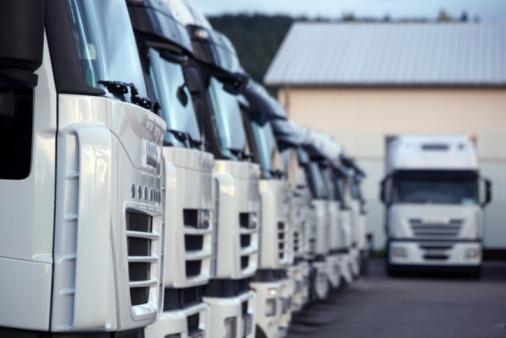 Lkws Stockfoto und mehr Bilder von Autotransporter