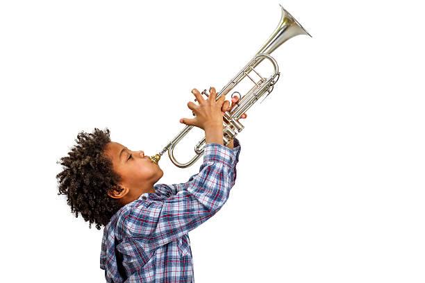 trumpeter gra the blues. - instrument muzyczny zdjęcia i obrazy z banku zdjęć
