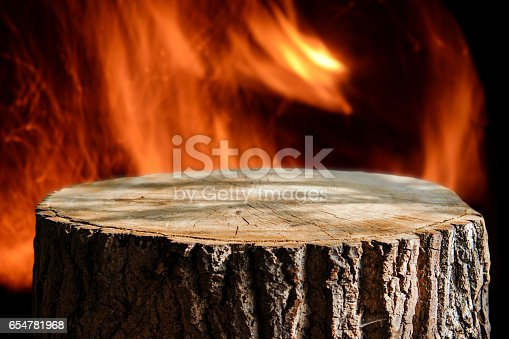 874991150istockphoto Trunk background 654781968