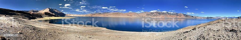Tso Moriri lake, Korzok village and mounts Chamser Kangri and Lungser Kangri stock photo