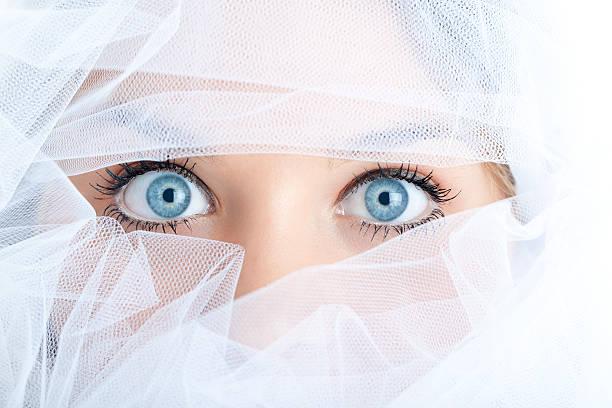 tüll-maske - hochzeits make up blaue augen stock-fotos und bilder