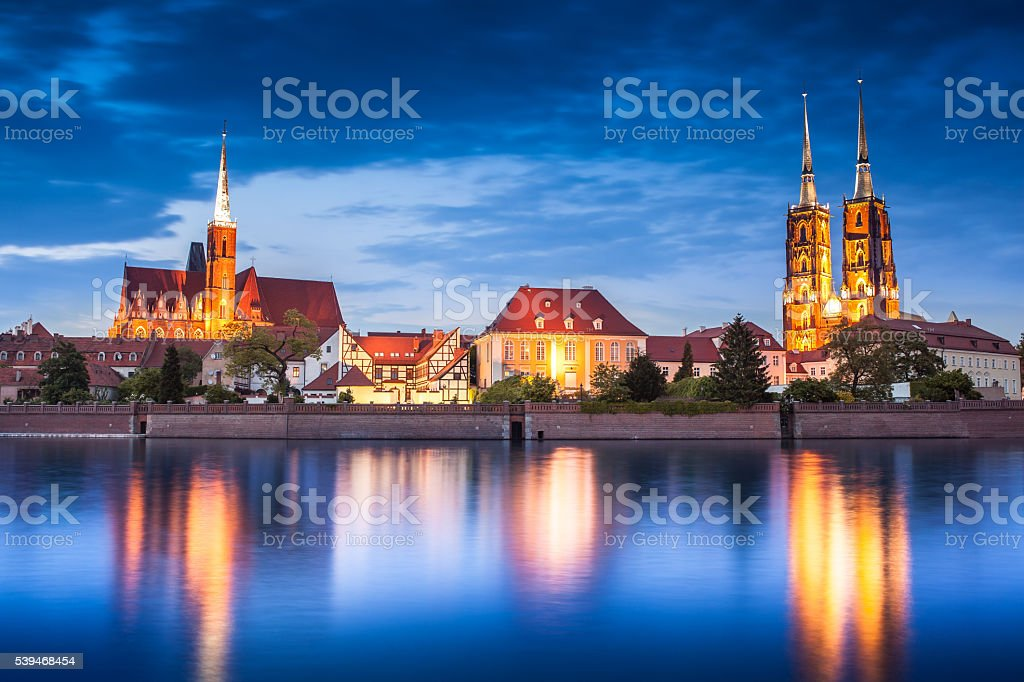 Tum island from river side. Wroclaw cityscape, Poland – Foto