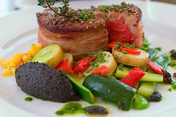 thunfisch-steak - flank steak marinaden stock-fotos und bilder
