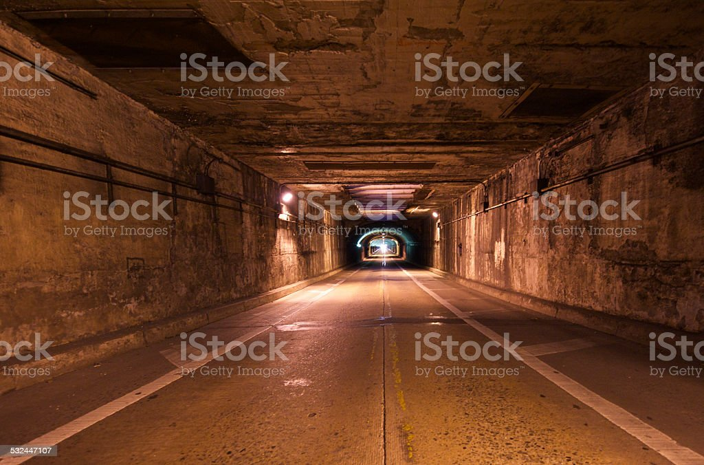 Tunnel Illusionen – Foto