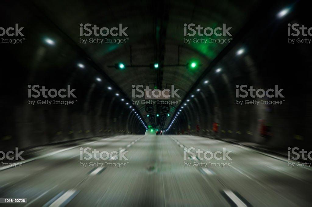 túnel em movimento - foto de acervo