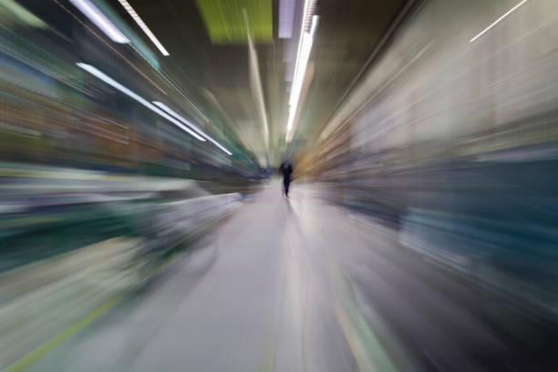 tunnel - hopital psychiatrique photos et images de collection
