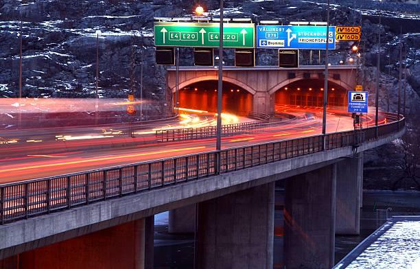 tunnel traffic - tunnel trafik sverige bildbanksfoton och bilder