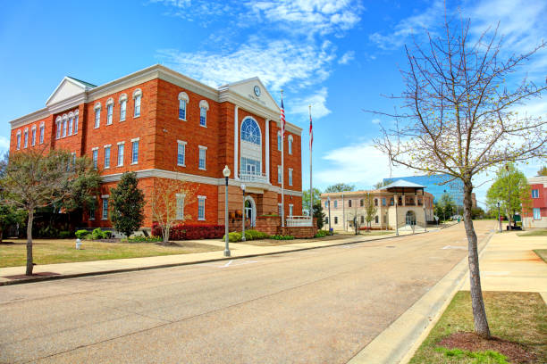Tupelo, Mississippi City Hall Tupelo is the county seat and the largest city of Lee County, Mississippi, United States. town hall stock pictures, royalty-free photos & images