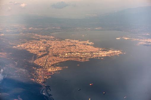 Tüpraş Petrolrafinerisi Ve Marmara Denizi İzmit Körfezi Stok Fotoğraflar & Ağır Sanayi'nin Daha Fazla Resimleri