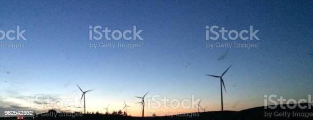 Foto de Turbinas À Noite e mais fotos de stock de Arquitetura