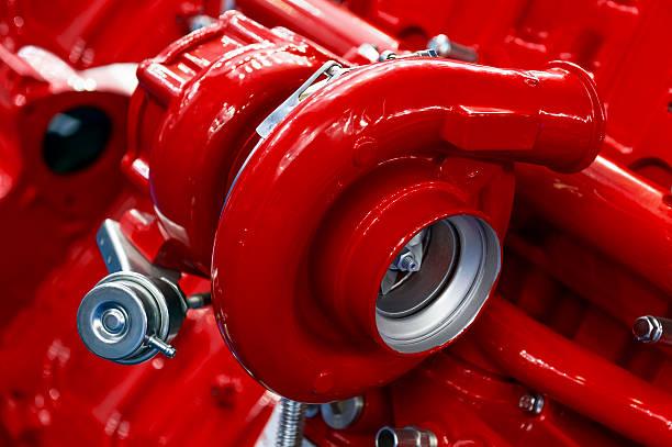 turbocompresor de motor de rojo - compresor motor fotografías e imágenes de stock