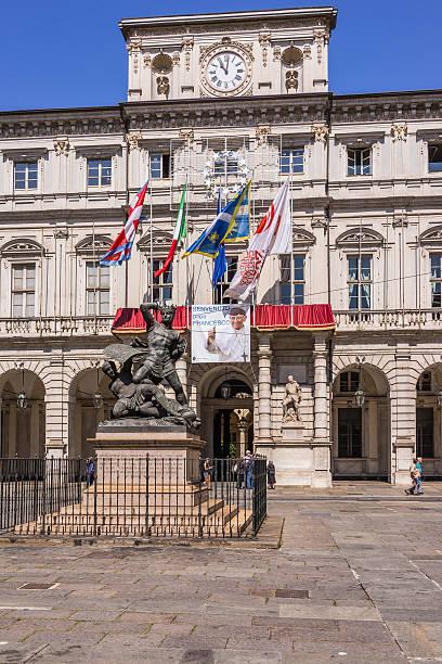 turyn (włochy). plakat wita papież franciszek - pope francis zdjęcia i obrazy z banku zdjęć