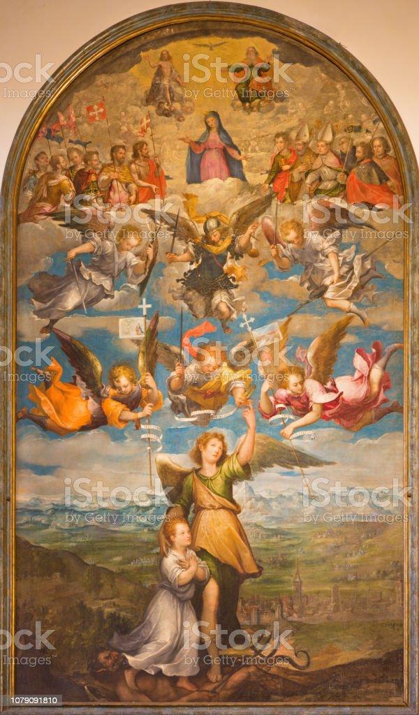 Turín - la pintura del Arcángel Raphael, Ángeles, la Virgen María y la Santísima Trinidad en catedral por artista desconocido de 17. ciento. - foto de stock